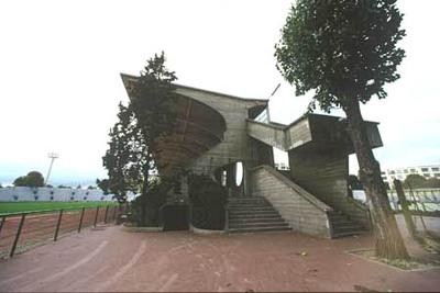 La superbe tribune Art Déco de Jean Bouin que Delanoë voudrait tant casser et que le ministère de la culture n'ose pas classer !