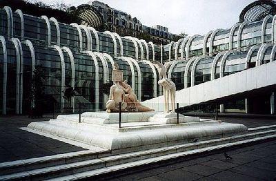 Braderie des Halles : les cadeaux de Delanoë à Unibail menacés en justice !