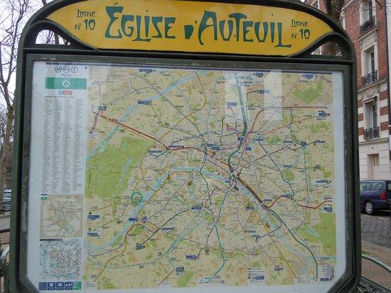 Nouveau tractage d'Aimer Paris ce jeudi 8 novembre à 18 heures 30 !