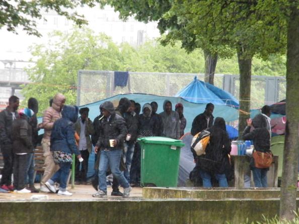 Stupidalgo ré-actionne la pompe à migrants !