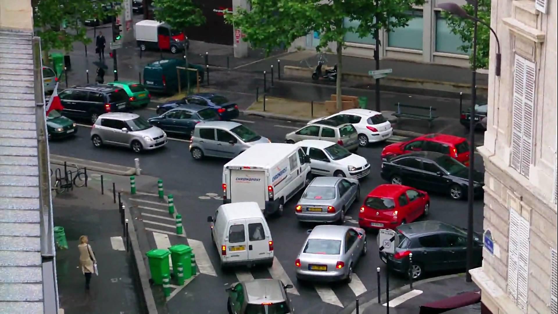 Du côté de l'avenue Daumesnil, une scène fréquente depuis la fermeture des voies sur berges !