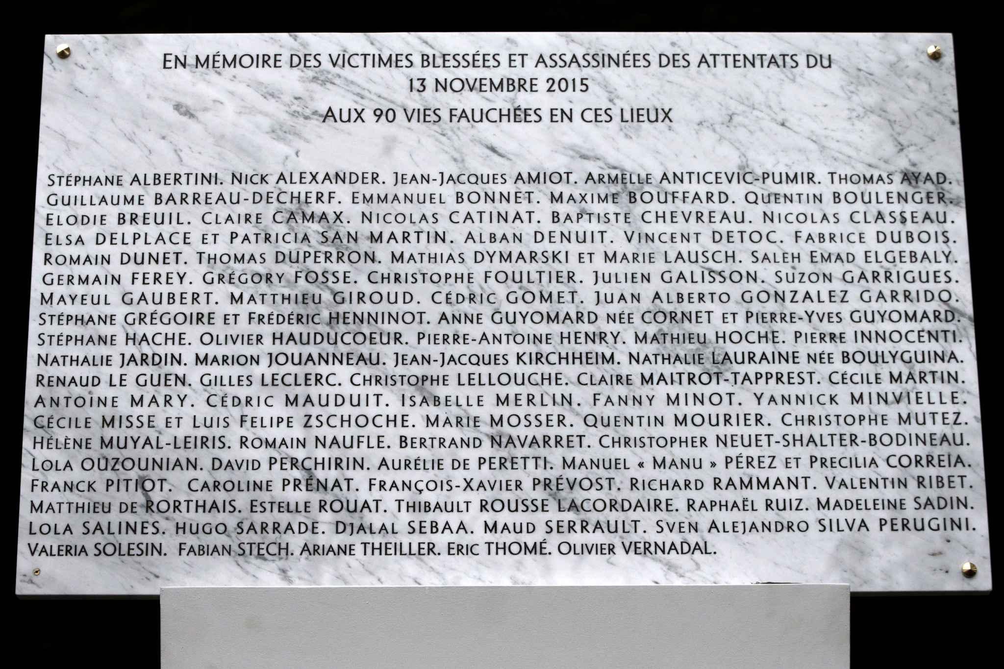 Médine crache sur Paris, les Parisiens cracheront sur Médine !