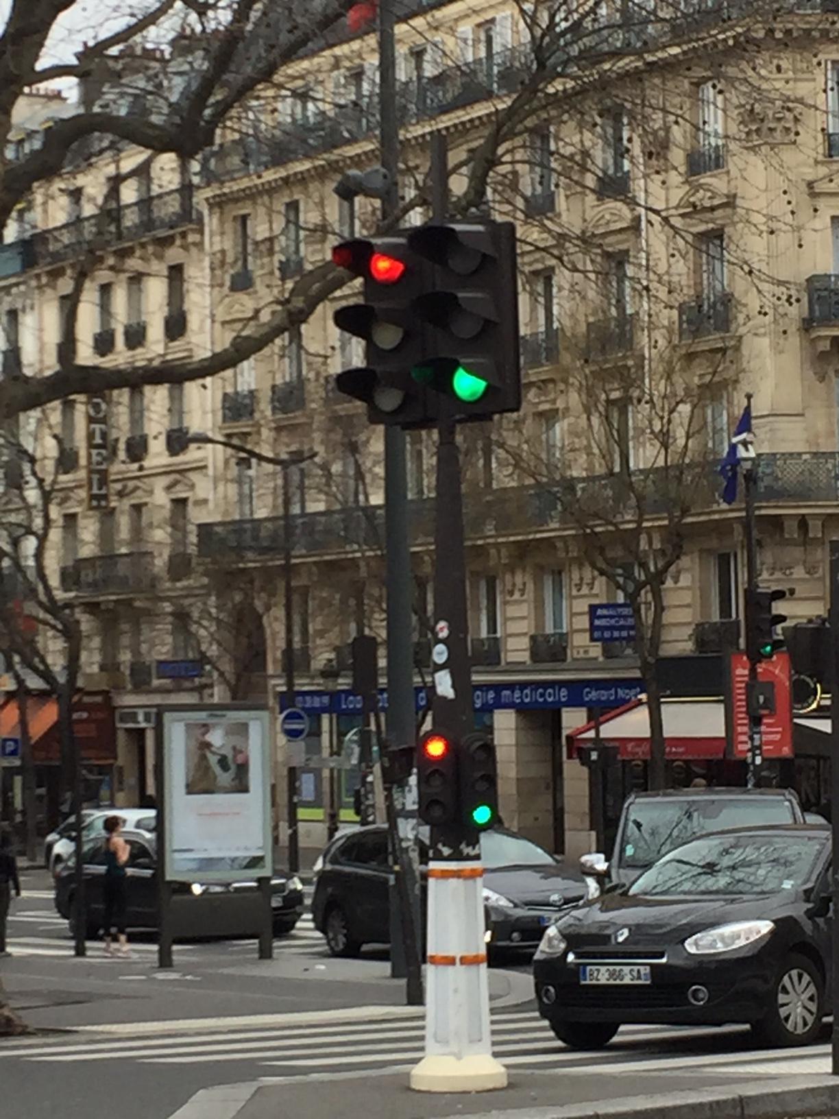 Bagnole à Paris : la coalition rouge-verte difficile à suivre !